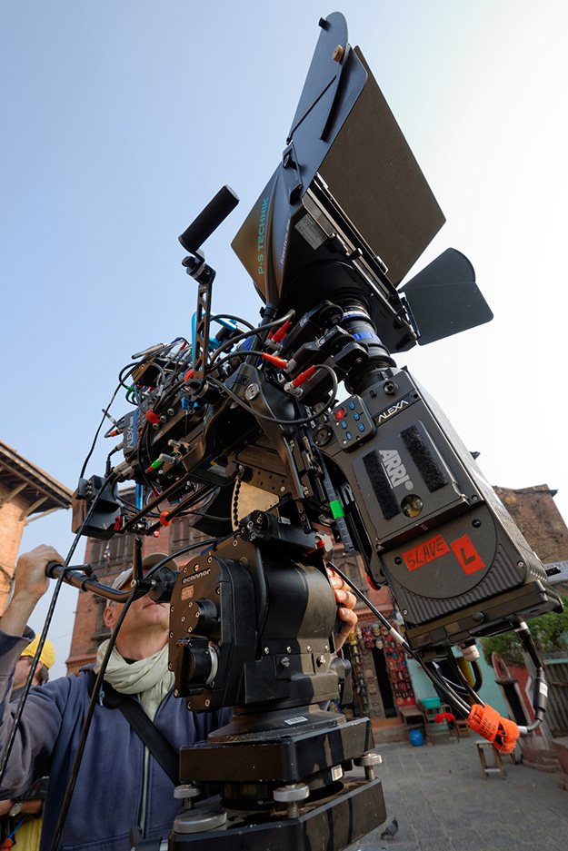 "The OConnor 2575D fluid head carries the heavy 3D rig reliably and, in doing so, perfectly supports Hans Jakobi during the filming of the 3D movie ""Legacy of Gods"""